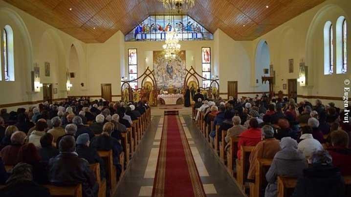 consacrare de altar și sfințirea noilor confesionale