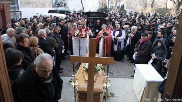 Momente de la înmormântarea istoricului Neagu Djuvara