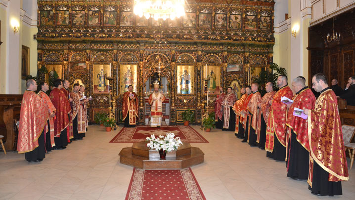 Calea Crucii prezidată de Preasfinția Sa Claudiu la Blaj