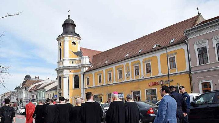 Pe Calea Crucii, prin Cluj-Napoca, pe urmele lui Isus însângerat