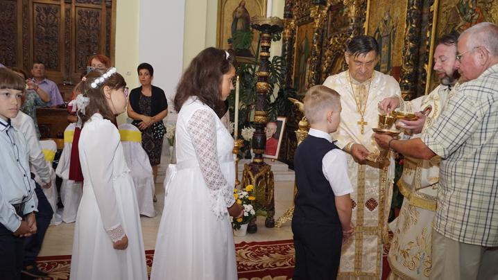 Prima Sfântă Împărtășanie solemnă pentru 33 de copilași