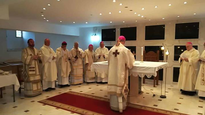Sfânta Liturghie celebrată de Episcopii catolici la Capela Arhiereilor