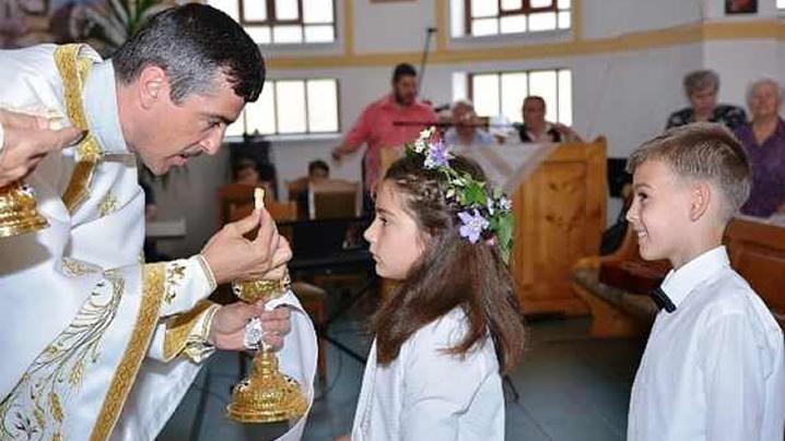 Prima Împărtășanie Solemnă la Beiuș