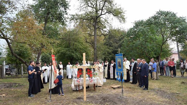 Binecuvântarea pietrei de temelie a viitoarei biserici din parohia Șieu-Odorhei