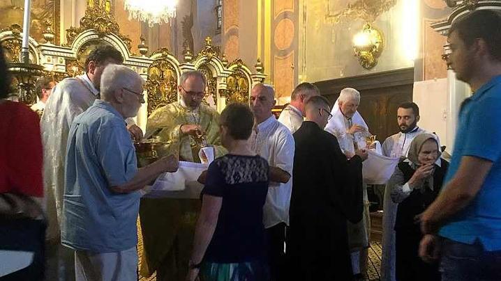 """Hramul Catedralei """"Schimbarea la Față"""" din Cluj, îndemn la tărie în credință"""