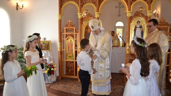 Prima Împărtășanie la mănăstirea Maicii Domnului din Cluj-Napoca