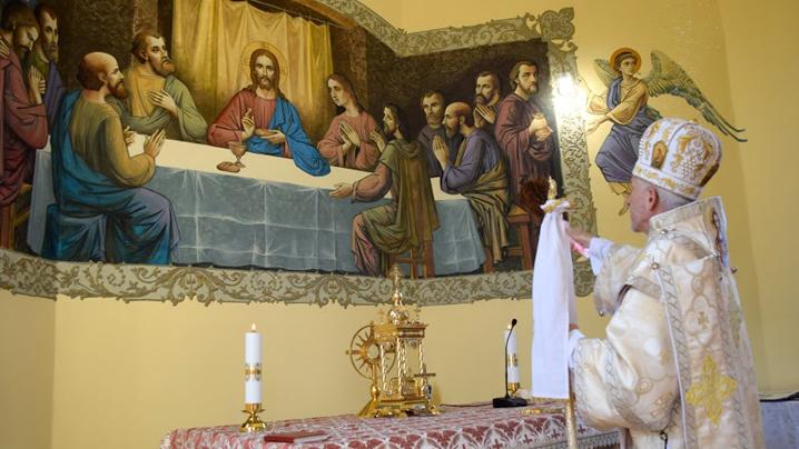 Sărbătoare în parohia Tihău – binecuvântarea picturii bisericești și Prima Împărtășanie