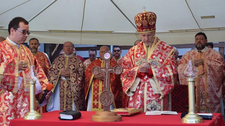 Sărbătoarea Înălțării Sfintei Cruci – pelerinaj la mănăstirea OSBM de la Mintiu Gherlii