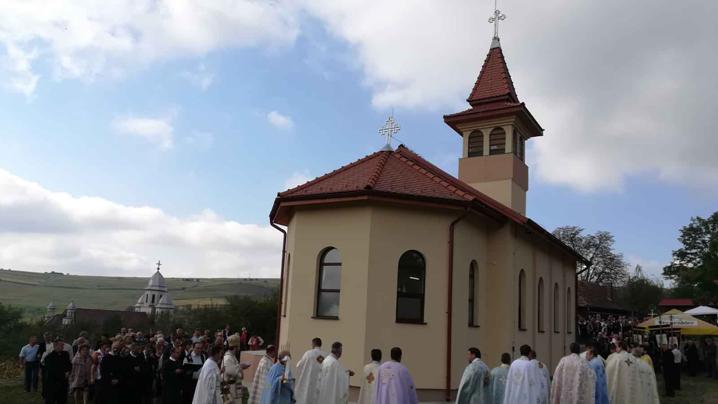Sfințirea bisericii greco-catolice din Visuia
