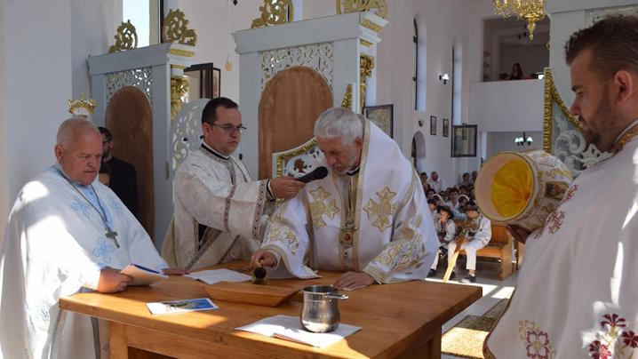 """Sfințirea bisericii """"Înălțarea Domnului"""" din Năsăud"""