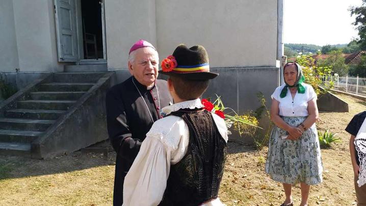 Vizită pastorală a P.S. Alexandru Mesian în Parohia Minişu de Sus