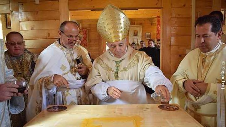 Sfinţirea noii biserici din Becheni-Chisău