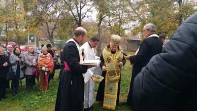 Vizită pastorală în parohia Hunedoara și sfințirea pietrei de temelie a noii biserici