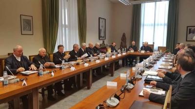 Ierarhii catolici din România în vizită la Congregaţia pentru Cler