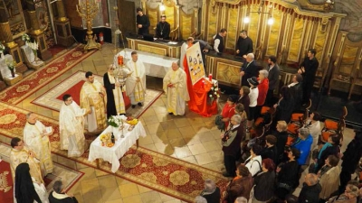 """Noaptea arestărilor – 70 ani: Comemorarea Episcopilor martiri la Catedrala """"Sf. Nicolae"""" din Oradea"""