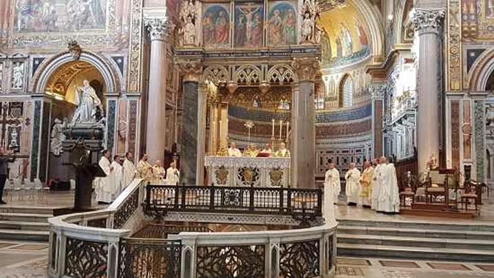 Sfânta Liturghie celebrată de Episcopii catolici din România în Bazilica Sf. Ioan din Lateran