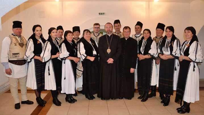 Grupuri de colindători la sediul Curiei Arhiepiscopiei Majore