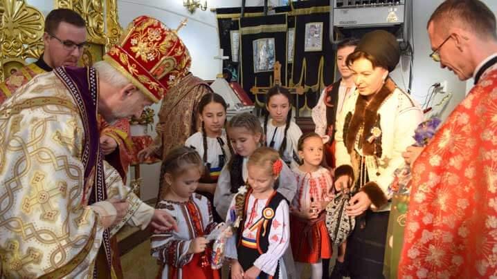 """Hram, binecuvântare de clopot în amintirea Episcopului Iuliu Hossu și vizită pastorală în Parohia """"Sf. Nicolae"""" - Floreşti, Protopopiatul Cluj II"""