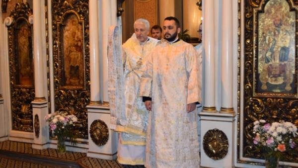 Celebrare duminicală cu hirotonire diaconală – despre perseverența în rugăciune la Catedrala din Cluj