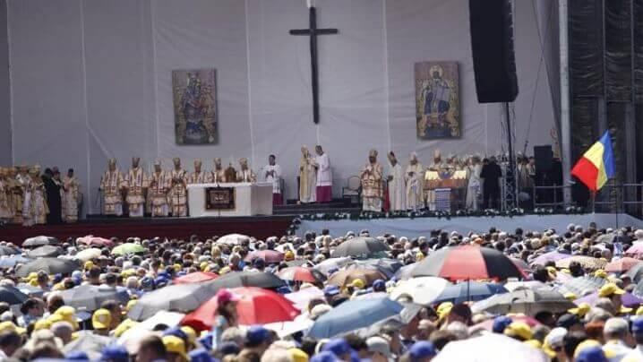 În cifre, ceremoniile oficiate de Sanctitatea Sa Papa Francisc pe Câmpia Libertății. Organizator ARTmania Events