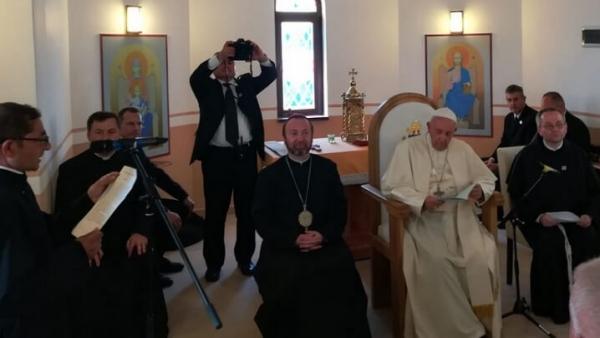 Mulțumirile părintelui Ioan adresate Sfântului Părinte în Biserica din Barbu Lăutaru, Blaj