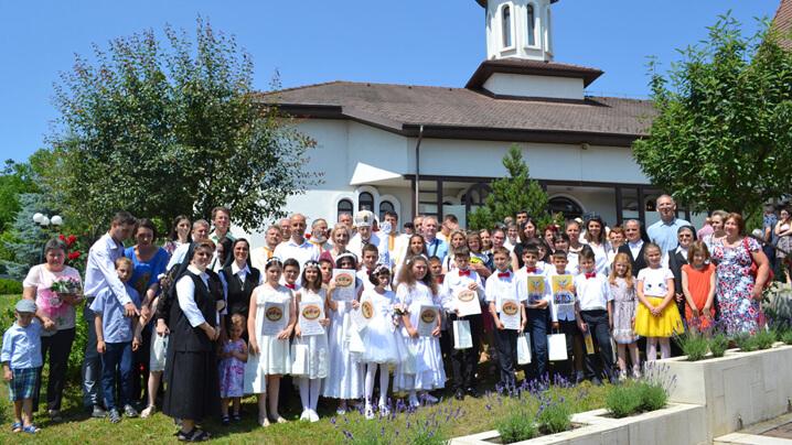 Prima Împărtășanie a 15 copii la mănăstirea CMD din Cluj