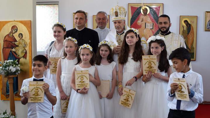Sărbătoare în parohia Florești II: Prima Sfântă Împărtășanie și binecuvântarea oratoriului