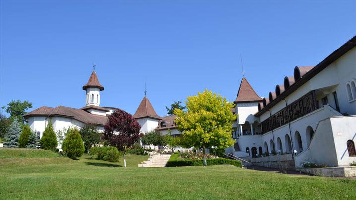 hramul-manastirii-congregatiei-surorilor-maicii-domnului-cluj-napoca