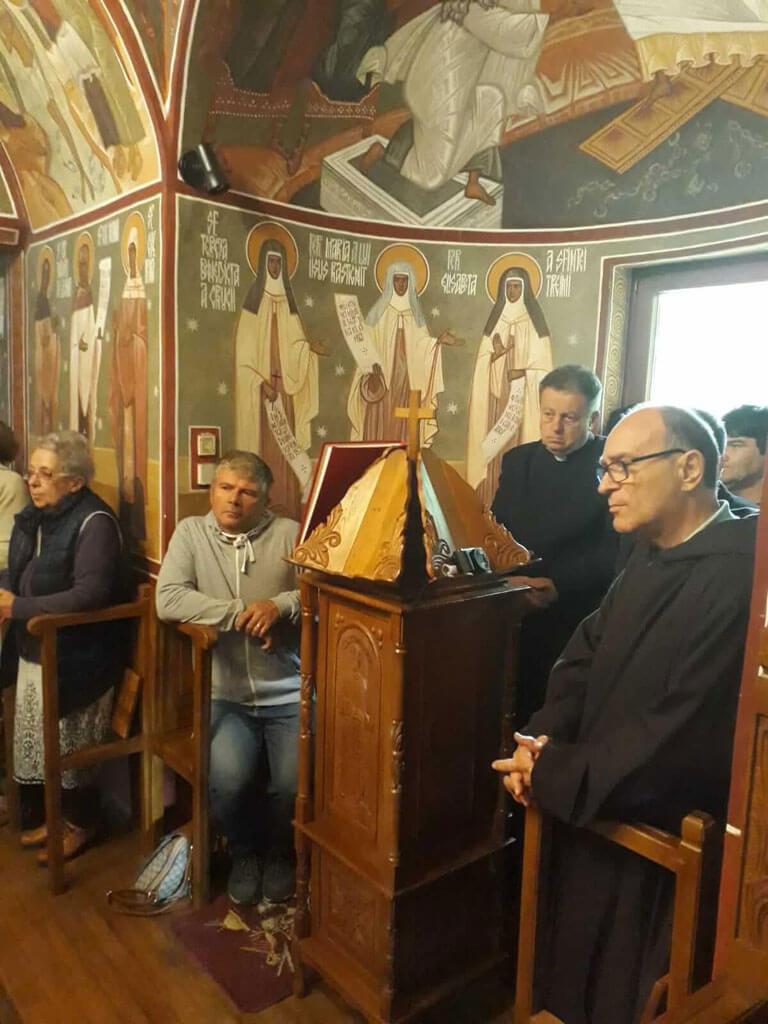 """Sărbătoare jubiliară la Schitul """"Sfânta Cruce"""" Stânceni"""