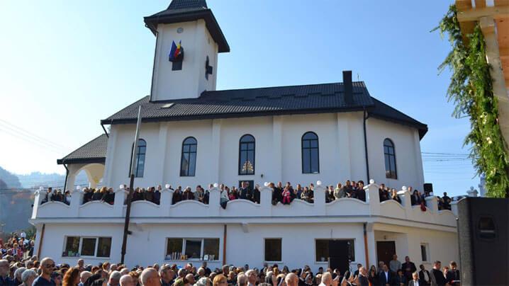 Sfințirea bisericii Intrarea în Templu a Maicii Domnului, din parohia Șanț