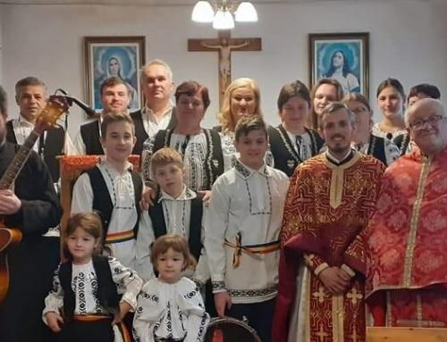 Colindători la Parohia Greco-Catolică Reghin II