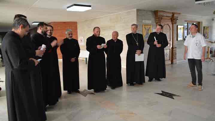 Colindul preoților din protopopiatele Tîrgu Mureș și Râciu la Spitalul Clinic Județean de Urgență din Tîrgu Mureș
