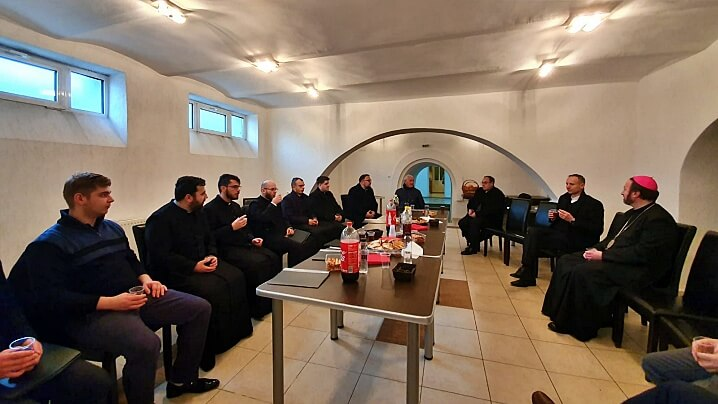 Primii colindători au trecut pragul Curiei Arhiepiscopiei Majore