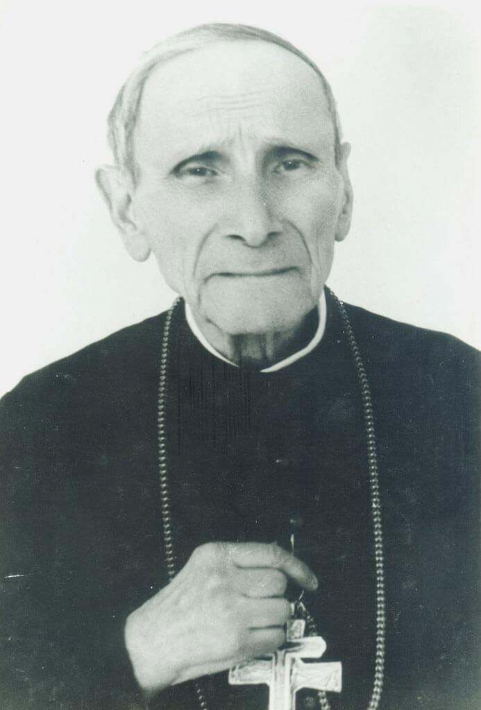 FOTO: PS Iuliu Hossu, la Căldărușani, 1968 (se observă crucea primită de la Papa Paul al VI-lea)