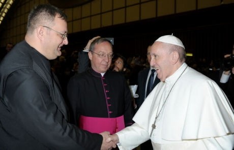 Papa Francisc a primit în dar o copie fidelă a icoanei de la Peleș
