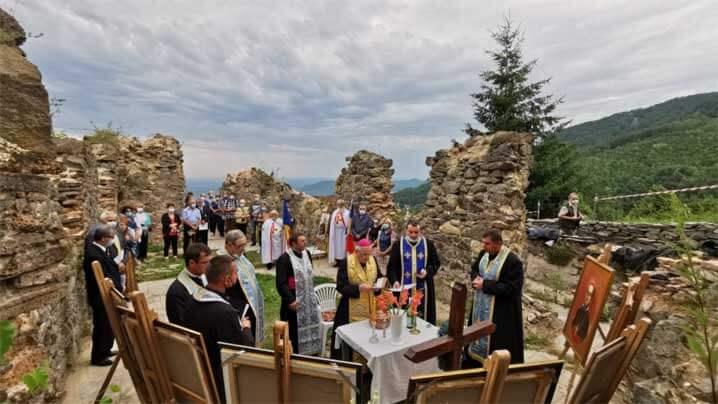 Vizită pastorală a PS Alexandru în parohia greco-catolică Săcărâmb