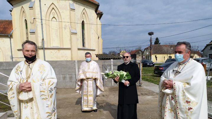 Vizită pastorală a Preafinţitului Ioan în parohia Uivar