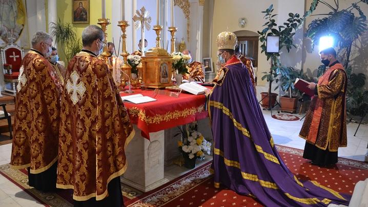 """Prohodul Domnului celebrat în Catedrala """"Sfânta Treime"""" din Blaj"""