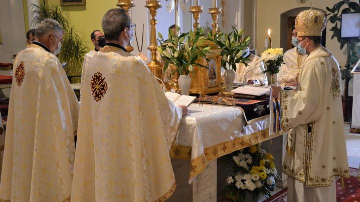 """Slujba Învierii la Catedrala """"Sfânta Treime"""" din Blaj"""