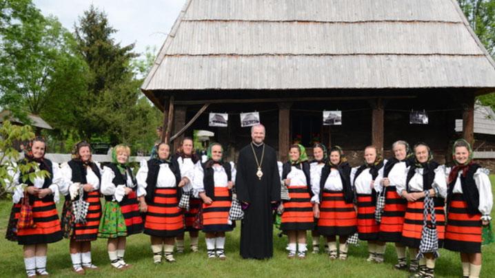 SIGHETU MARMAȚIEI: Preasfințitul Vasile la aniversarea a 40 de ani de la deschiderea Muzeului Satului Maramureșean