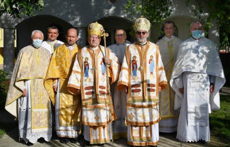 Vizită pastorală a PS Alexandru Mesian și a PS Ioan Călin Bot în parohia Lugoj III. Sărbătoarea hramului Sfânta Ioana Antida Thouret