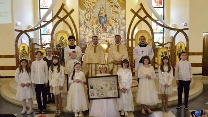 """Prima Sfântă Împărtășanie la Sanctuarul Eparhial """"Maica Domnului"""""""