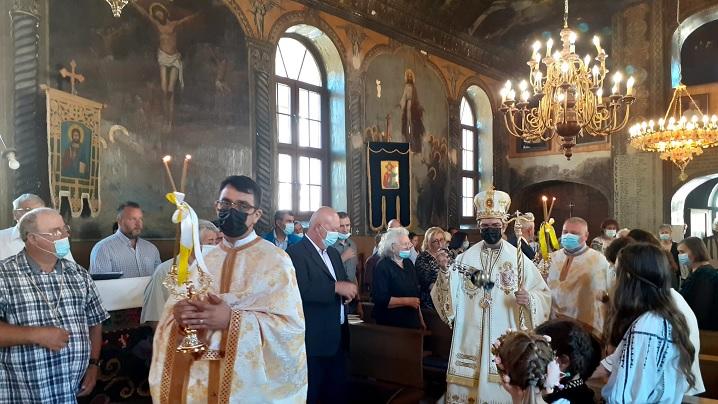 Vizita Pastorală a Preasfinției Sale Cristian în Parohia Dumbrăveni
