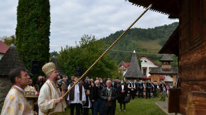 """PS Vasile la sfințirea bisericii din Ieud-Plopșor: """"Atunci când se sfințește un altar, noi reînnoim legământul nostru cu Dumnezeu"""""""
