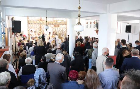 Vizită pastorală și hirotonire de preot la Beclean